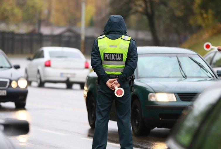 Sekmadienį Vilniuje vyko policijos reidai nuotr. Broniaus Jablonsko