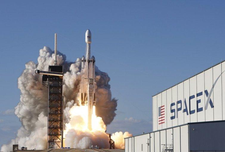 """""""Space X"""" kyla į kosmosą (nuotr. SCANPIX)"""