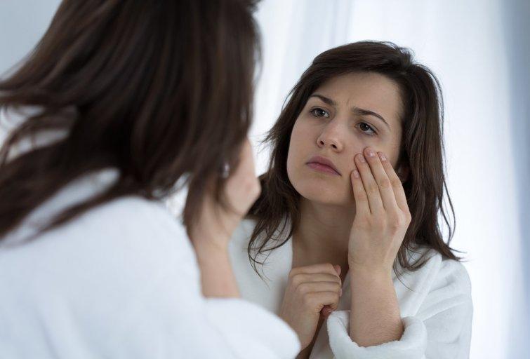Pavargusi moteris (nuotr. Shutterstock.com)