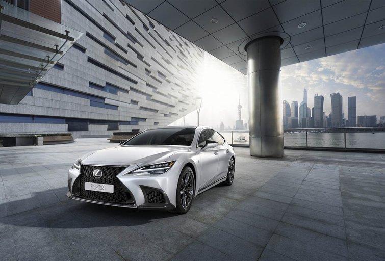"""""""Lexus"""" flagmanas LS 500h (nuotr. Organizatorių)"""