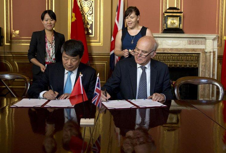 Kinija ir Didžioji Britanija pasirašė įspūdingos vertės prekybos sutartį (nuotr. SCANPIX)