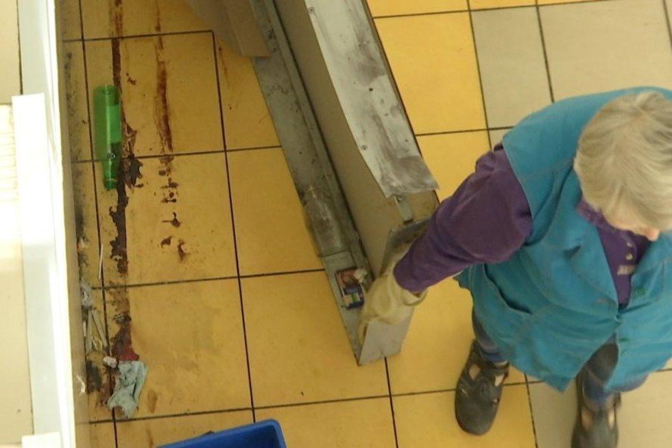 Žirmūnų prekybos centre mirė žmogus, įtariama žmogžudystė (nuotr. TV3)