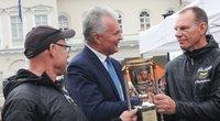 Vyčio Pauliukonio ir Audronio Gulbino kolekcijoje – penktoji Prezidento taurė. (nuotr. Organizatorių)