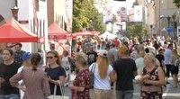 Klaipėdos Jūros šventėje masės žmonių, su kaukėmis – vos keli (nuotr. stop kadras)