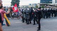 Riaušės prie Seimo (nuotr. TV3)