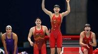 Įspūdingai plaukiusios kinės gerino pasaulio rekordą. (nuotr. SCANPIX)