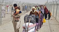 Dalis afganų bėga iš šalies (nuotr. SCANPIX)