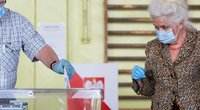 Lenkai balsuoja prezidento rinkimuose (nuotr. SCANPIX)