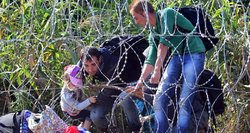 Apgręžti migrantai niekur nedingsta: dėliojamas planas, jei išgąsdinti Baltarusijos pareigūnų migrantai bėgtų didele mase