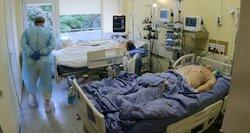 Prakalbo apie COVID-19 pacientų rūšiavimą: kurį gydyti pirmiau – pasiskiepijusį 70-metį ar neskiepytą 30-metį?
