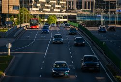 Nuo 2023-ųjų metų įsigalios taršos mokestis, kartu brangs ir dyzelinas: teks likviduoti automobilius