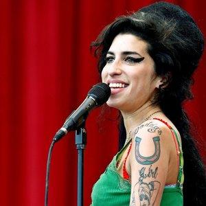 """Amy Winehouse mama nujautė atlikėjos mirtį: """"Jau buvau su viskuo susitaikius"""""""