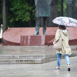 Pasiruoškite šiltesnių rūbų: savaitgalis bus žvarbus, laukia lietus