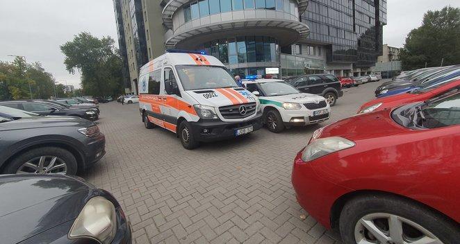 Vilniuje važiuodamas atbulas vairuotojas partrenkė dvi moteris