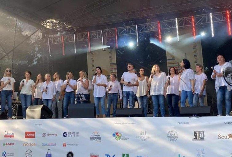"""Klubo """"Dainos teatras"""" choras Gloria"""