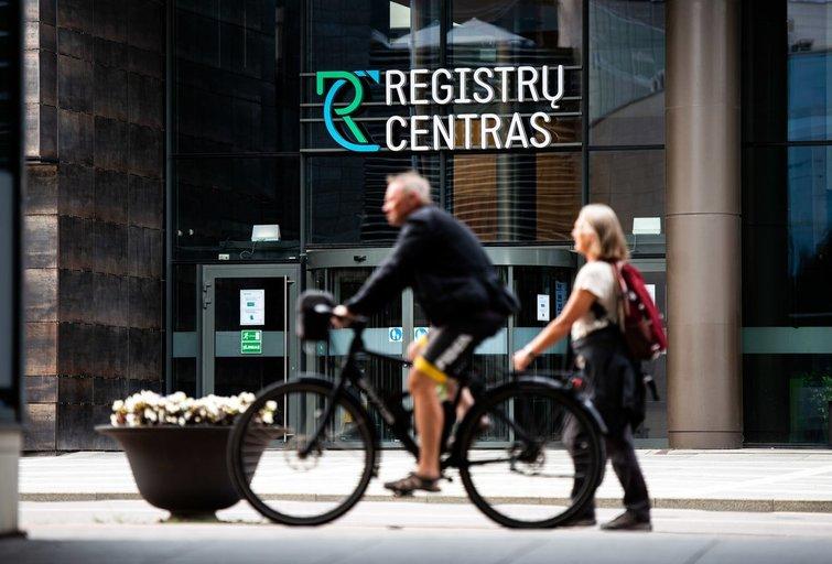 Registrų centras sumažins kai kurių paslaugų kainas (nuotr. Fotodiena/Justino Auškelio)