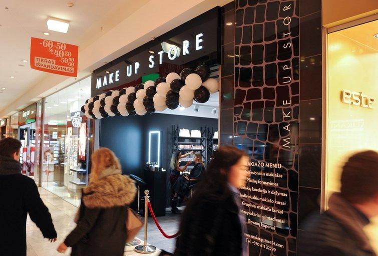 """""""Make up store""""  kosmetikos parduotuvė (nuotr. Fotodiena/Žygimanto Gedvilos)"""