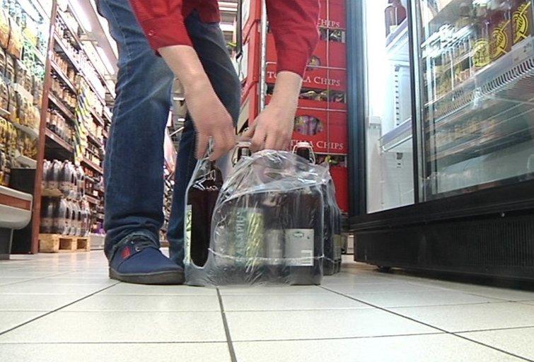 Prekyba alkoholiu (asociatyvi nuotr. TV3)
