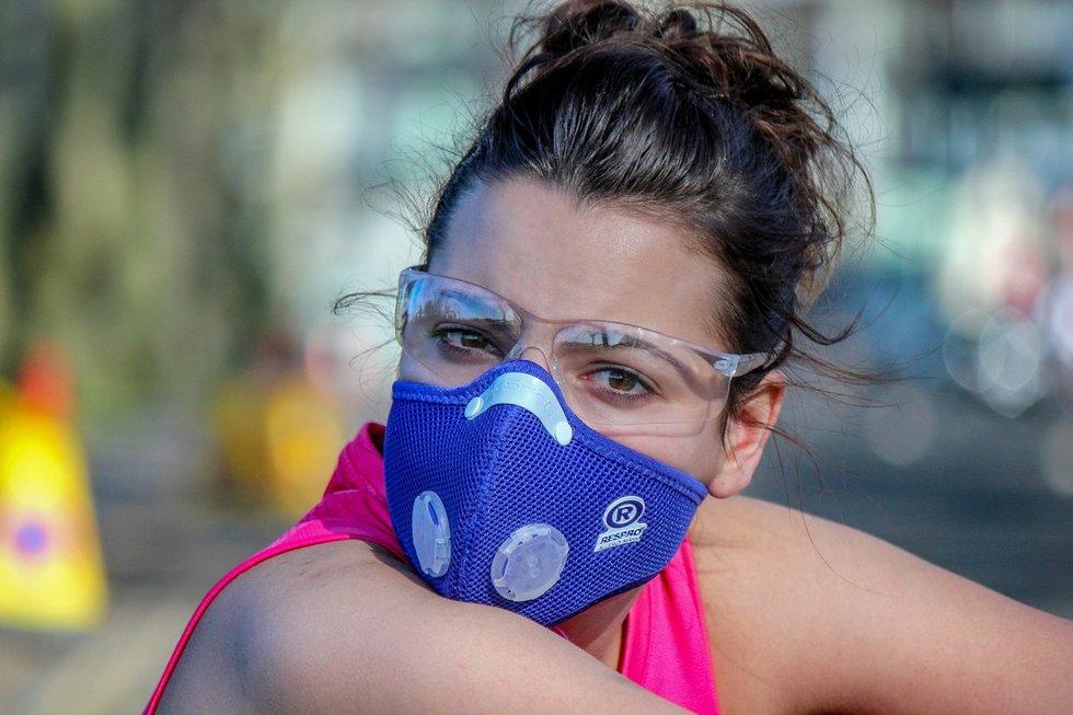 Gyventojai atrado, kad nuo žiedadulkių apsaugo kaukės