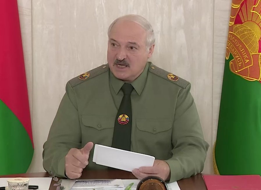 """Karingai nusiteikęs Lukašenka ruošia Baltarusiją mobilizacijai: """"Visi turi būti pasirengę"""""""