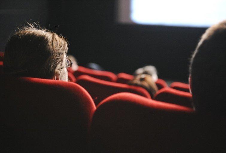 Lietuvos kino teatruose – streikas dėl kaukių ir uždraustų spragėsių