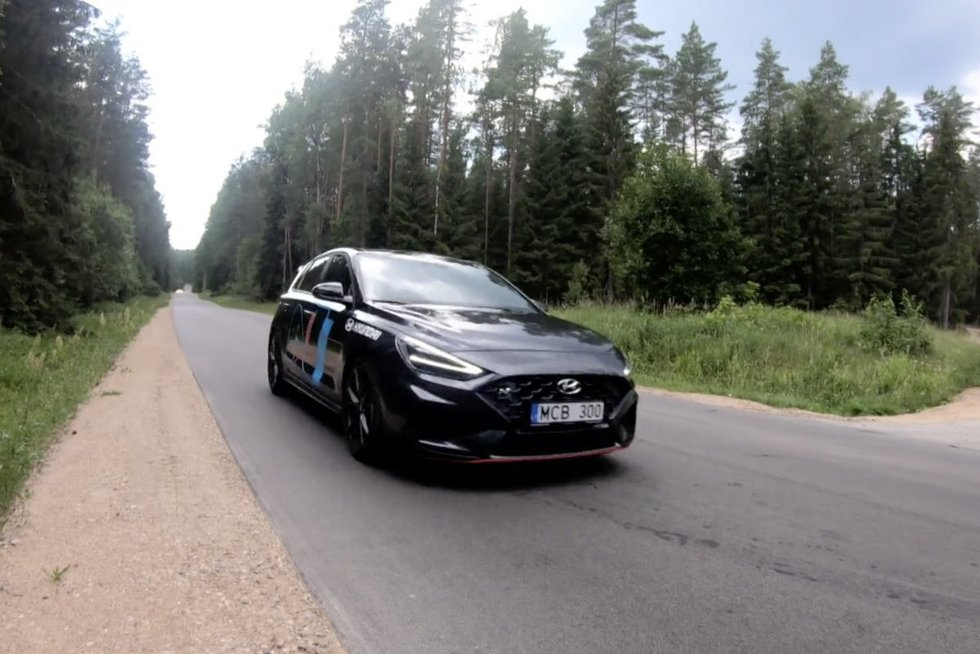 """Autopilotas. """"Hyundai i30N"""" apžvalga (nuotr. stop kadras)"""