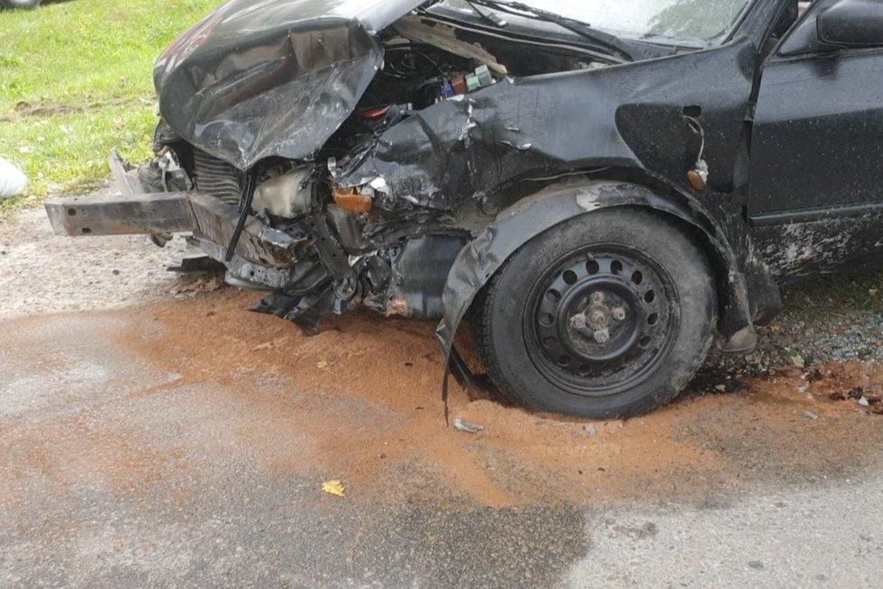 Pensininkas Šilutės rajone sukėlė avariją, o nukentėjusioji dalijasi detalėmis: jis net nestabdė (nuotr. stop kadras)