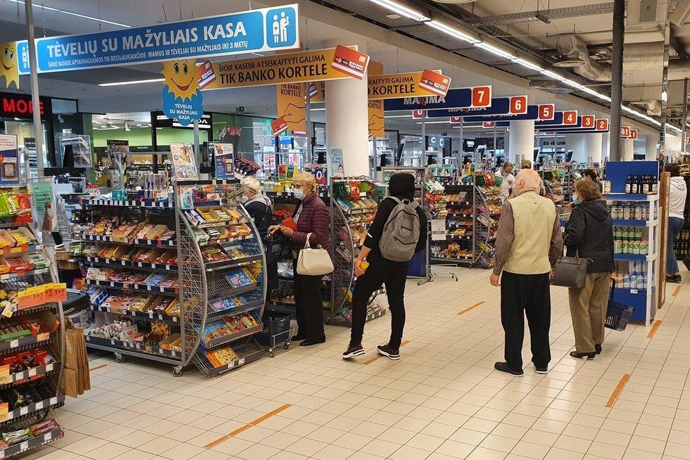 Pirkėjų kerštas ar galimybių paso poveikis: prekybos tinklai skaičiuoja sumažėjusį pardavimą (nuotr. skaitytojo)