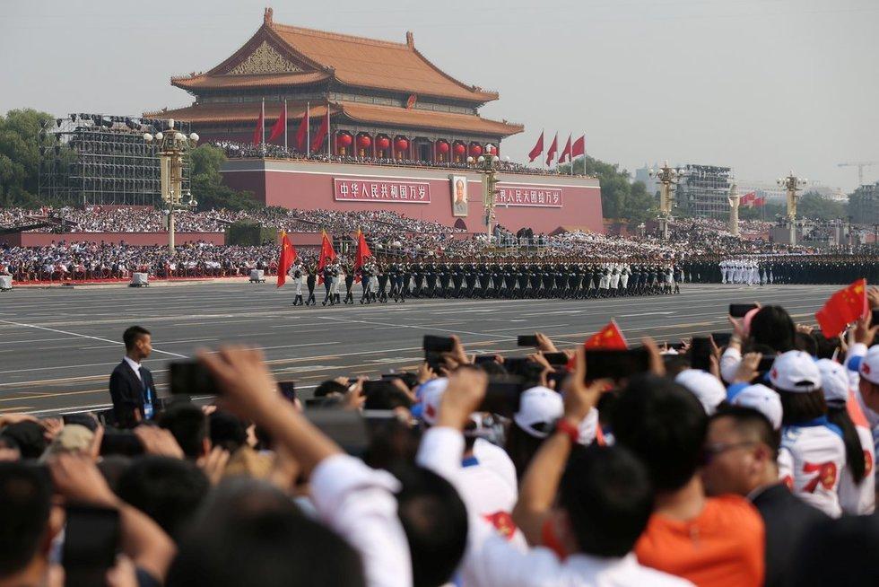 Kinija mini 70-ąsias savo įkūrimo metines (nuotr. SCANPIX)