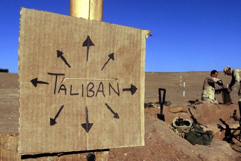 """Afganistanas taps amerikiečių """"kapinėmis"""", perspėja Talibanas (nuotr. SCANPIX)"""