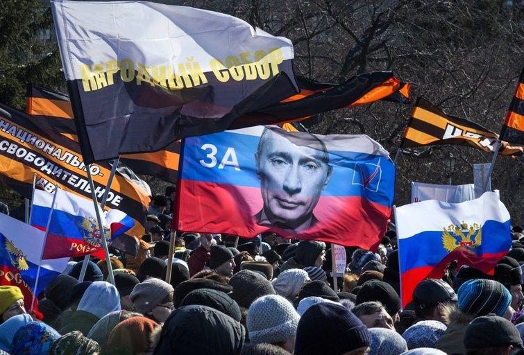 Rusija per pastaruosius 5 metus: įvedė cenzūrą, padovanojo valdžią Putinui ir dekriminalizavo smurtą buityje (nuotr. SCANPIX) tv3.lt fotomontažas