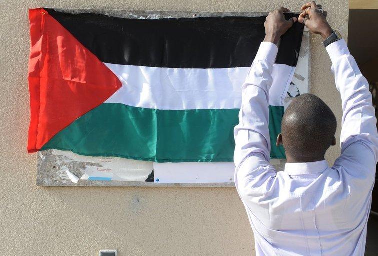 Palestiniečiams leista iškelti savo vėliavą prie JT būstinės (nuotr. SCANPIX)