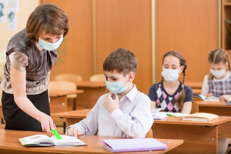 6-mečio poelgis pribloškė visą mokyklą: viskas dėl veido kaukės
