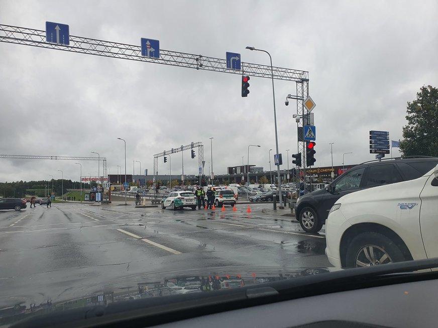 """Vilniuje iš """"Akropolio"""" evakuojami žmonės – pranešta apie sprogmenį"""
