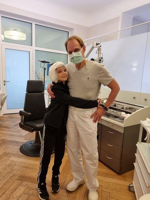 Karenas sulaukė stebuklo – antrosios ausų atkūrimo operacijos