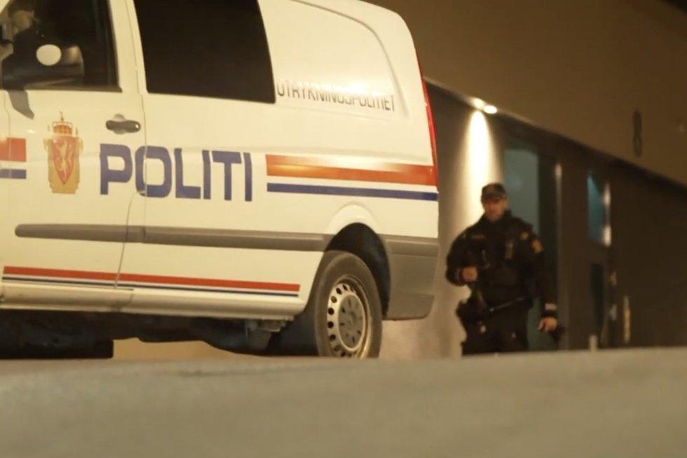 Norvegai gedi penkių užpuoliko aukų: pernai jis turėjo reikalų su policija (nuotr. stop kadras)