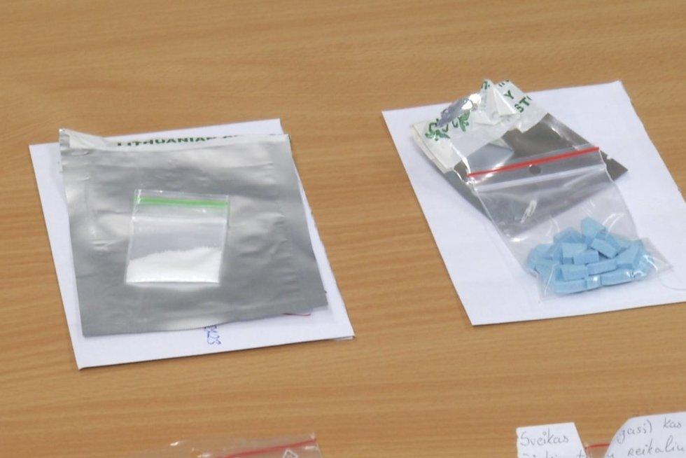 Specialistai imasi už galvų – papasakojo apie naujai Lietuvoje plintančių narkotikų poveikį: atrodo, kad tirpsta smegenys  (nuotr. stop kadras)