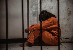Iki gyvos galvos Abu Dabyje įkalintai lietuvei – vilties kibirkštis: prasidėjo derybos, bet kyla ir problemų