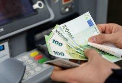 Be galimybių paso bankomatu nepasinaudosite: bankai aiškina, kad klientai patys kalti