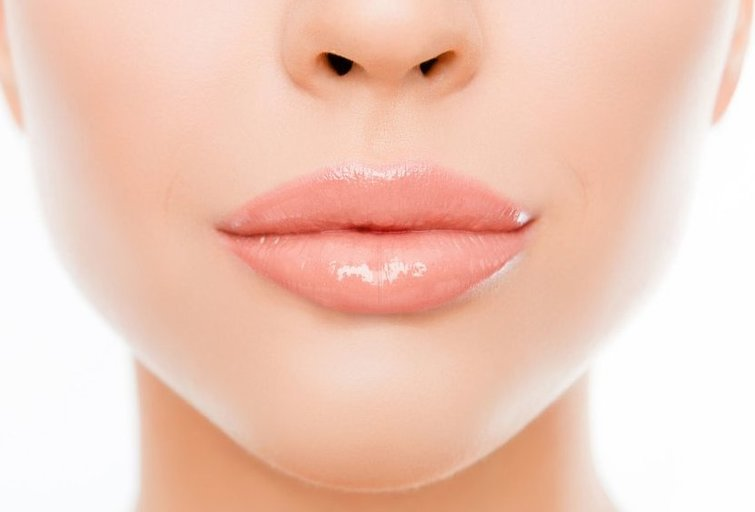 Putlios lūpos (nuotr. 123rf.com)