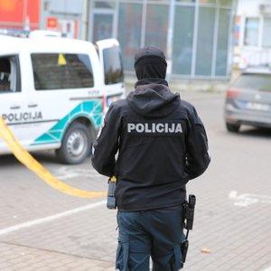Į apsaugininką šovęs vyras uždarytas į areštinę