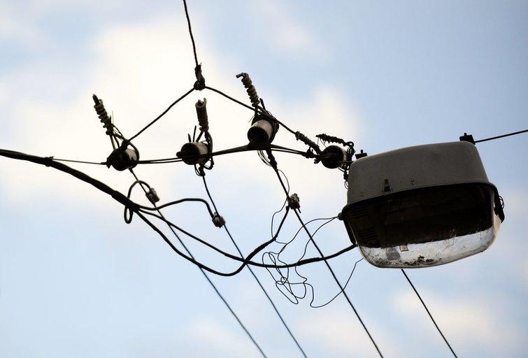 """Namų elektros skaitiklis netikėtai """"prisuko"""" 100 kartų daugiau nei įprastai: tik gedimas ar vagystė? (nuotr. Fotodiena.lt)"""