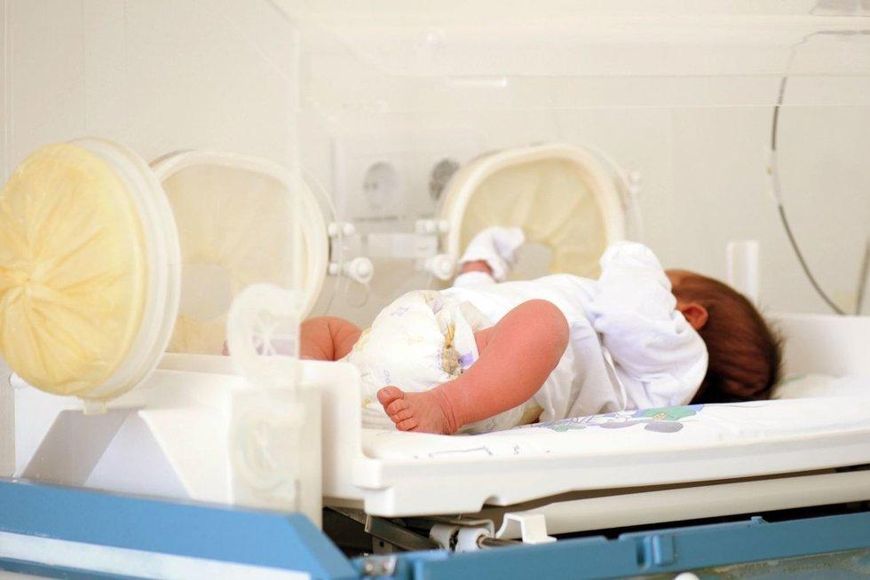 Kūdikis ligoninėje (nuotr. 123rf.com)