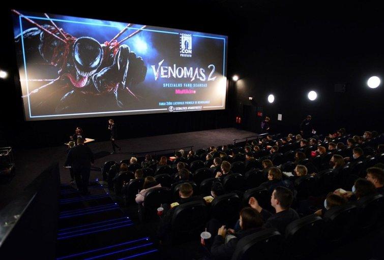 """""""Venomas 2"""" kūrėjai gerbėjus sukvietė į uždarus seansus: 290 laimingųjų lietuvių nuskambėjo ir speciali T. Hardy žinutė"""