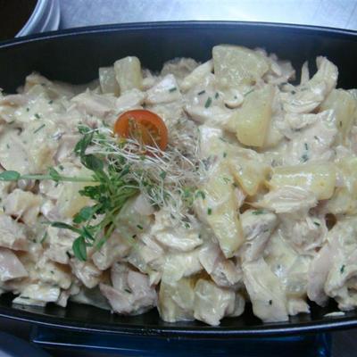 Salotos su vištiena ir ananasais