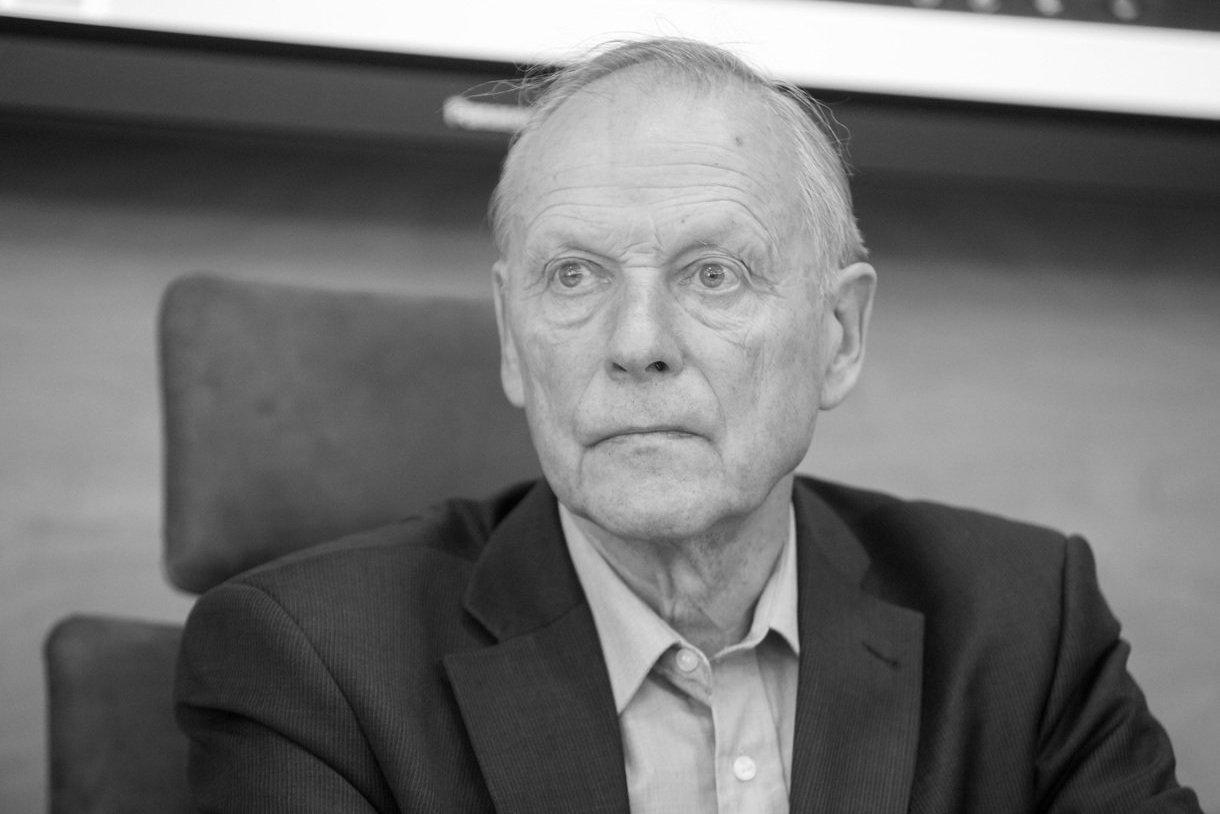 Mirė istorikas Romas Batūra | tv3.lt