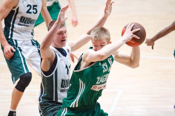 Simonas Kymantas (su kamuoliu) (nuotr. NKL)