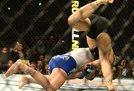 Ronda Rousey ir Cat Zingano dvikova