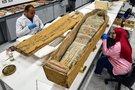 Surengta neeilinė tiesioginė transliacija: atidarytas senovinis sarkofagas (nuotr. SCANPIX)