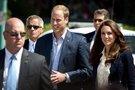 Princas Williamas ir Kate Middleton su apsauginiais (nuotr. Vida Press)